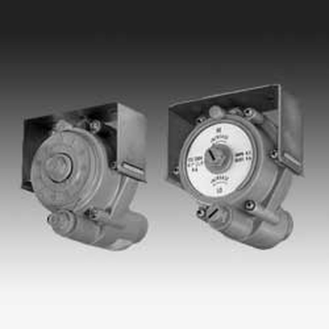KMC CONTROLS CSC-3025-10 Reset Volume Controllers  for VAV